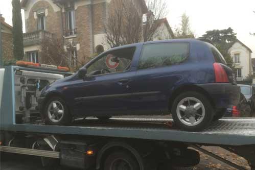 Remorquer auto accidentée sur la voie publique - Paris