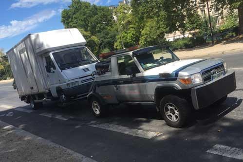 Camion de remorquage pour utilitaire - Paris